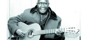 • Former president Kenneth Kaunda sing 'Tiyende pamodzi' a unifying song.