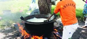 • A parishioner preparing nshima at the Mwembeshi open air prison.