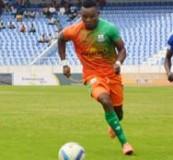 • ZESCO striker Idris Mbombo (left) evades Nkwazi defender Chishimba Changala during the MTN FAZ Super League Week Six match played at Levy Mwanawasa Stadium on Saturday. Zesco won 3-0.  Picture by SAMUEL LUKHANDA