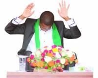 Lungu - praying